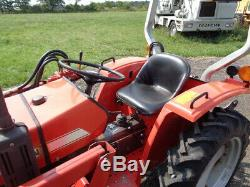 1990 Massey Ferguson 1020 Tractor, 4WD, MF1014 Front Loader, R1 Tires