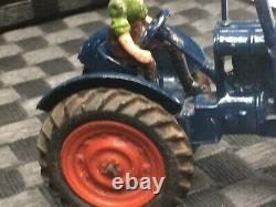 Britains Vintage 1948 Fordson Major Farm Tractor Rubber Tyres