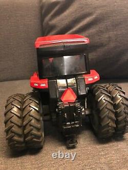 Case International Magnum 7150 Dual Tires Red Farm Tractor With Cab DieCast 116